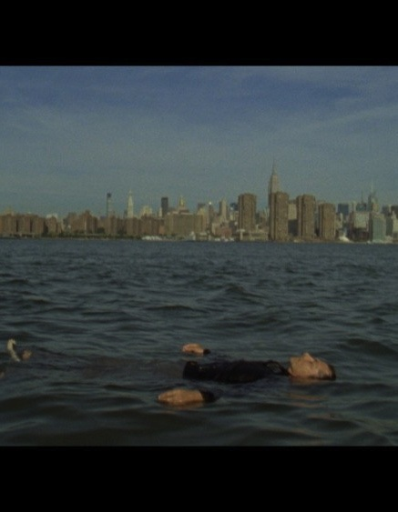 East River :
